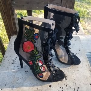 Chase + Chloe Shear Flowered Boots